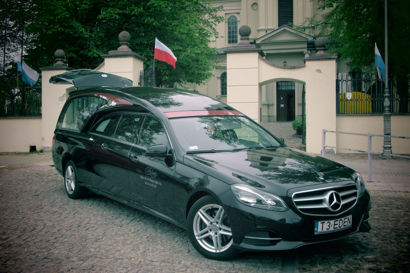 Mercedes karawan